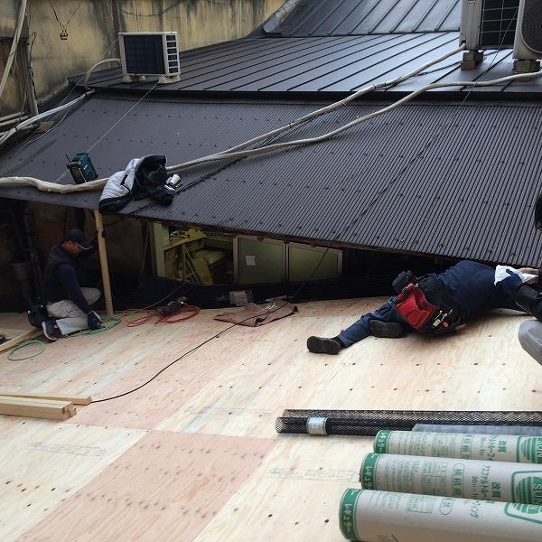 要するに二重屋根。0005713871