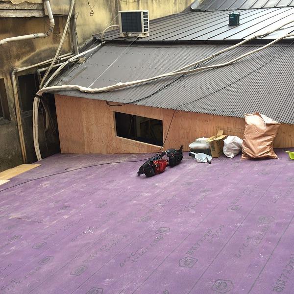 要するに二重屋根。0005713875