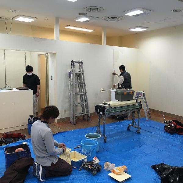 大型複合商業施設の壁。0005994602