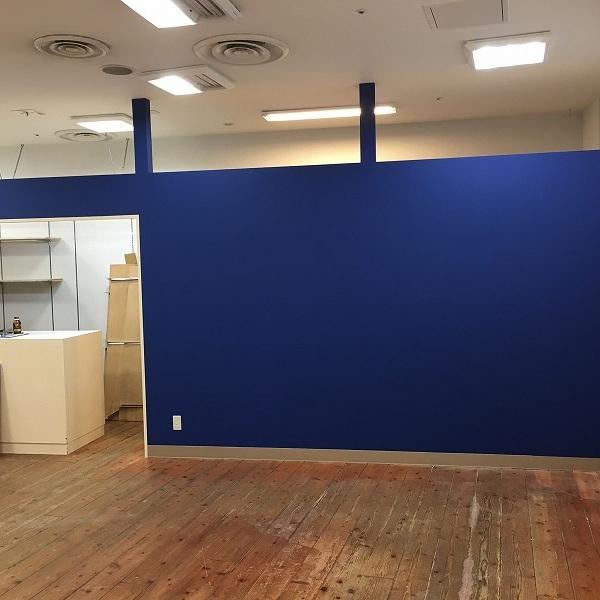 大型複合商業施設の壁。0005994609