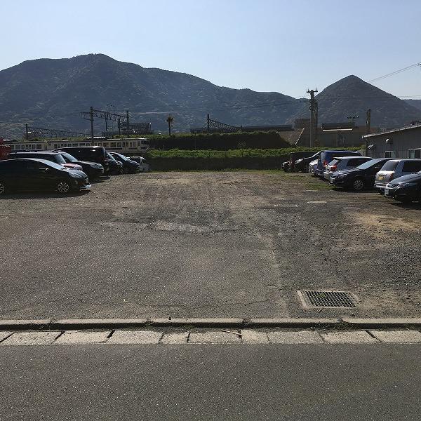 凸凹駐車場整地。0006004619