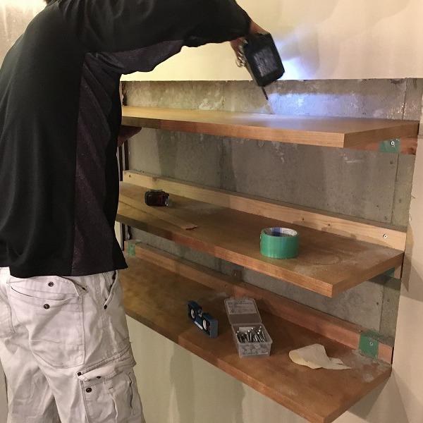棚取付① 壁がボードの棚取付け。0006074728