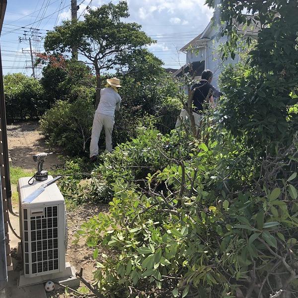 庭を削って駐車場工事。0006275322