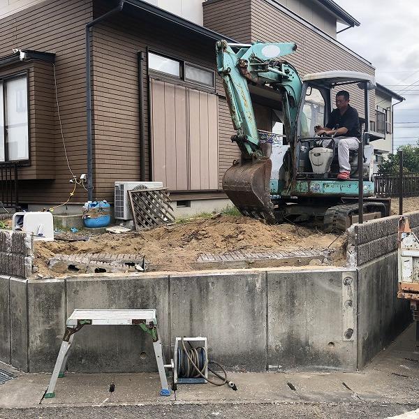 庭を削って駐車場工事。0006275324
