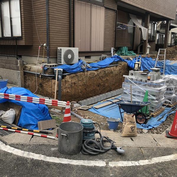 庭を削って駐車場工事。0006275330