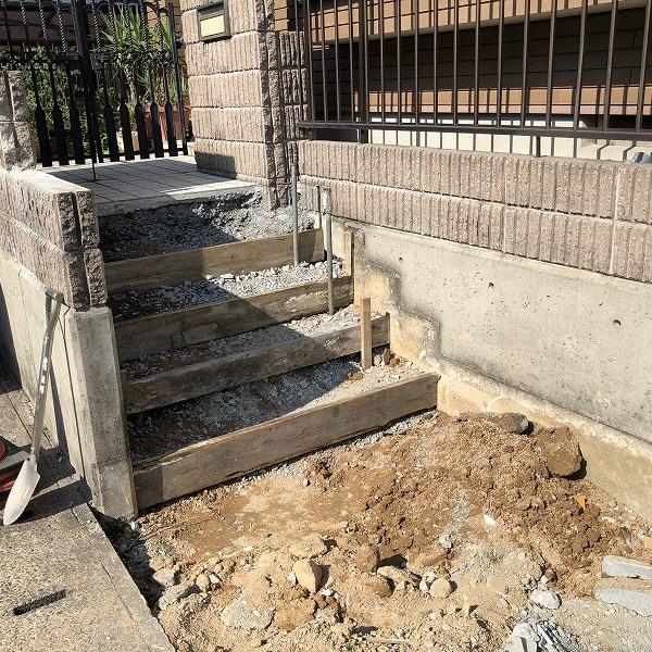 庭を削って駐車場工事。0006275335
