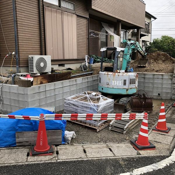 庭を削って駐車場工事。0006275337