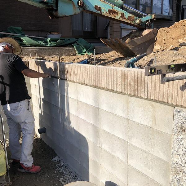 庭を削って駐車場工事。0006275338