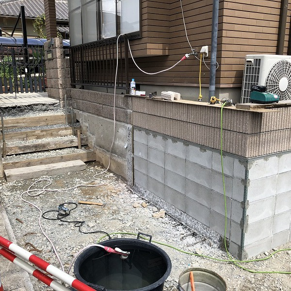 庭を削って駐車場工事。0006275340
