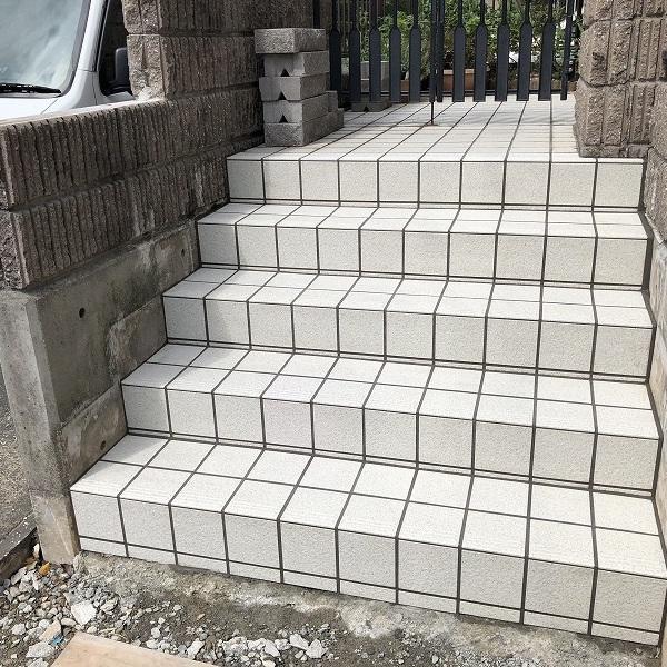 庭を削って駐車場工事。0006275349