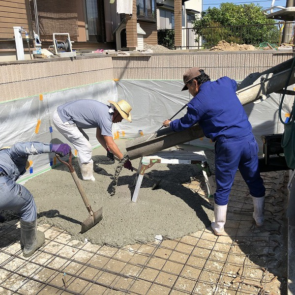 庭を削って駐車場工事。0006275354
