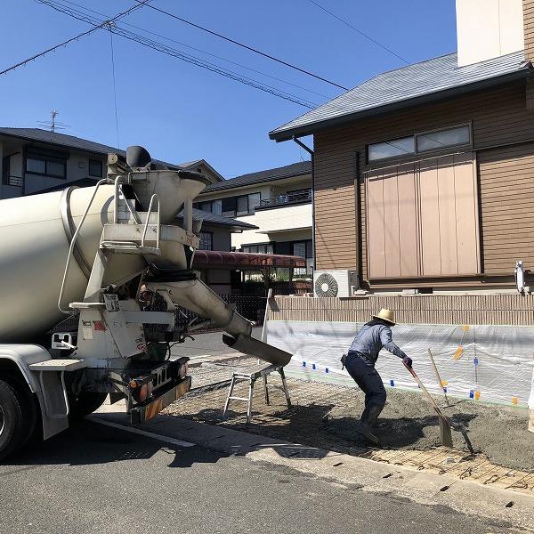 庭を削って駐車場工事。0006275355