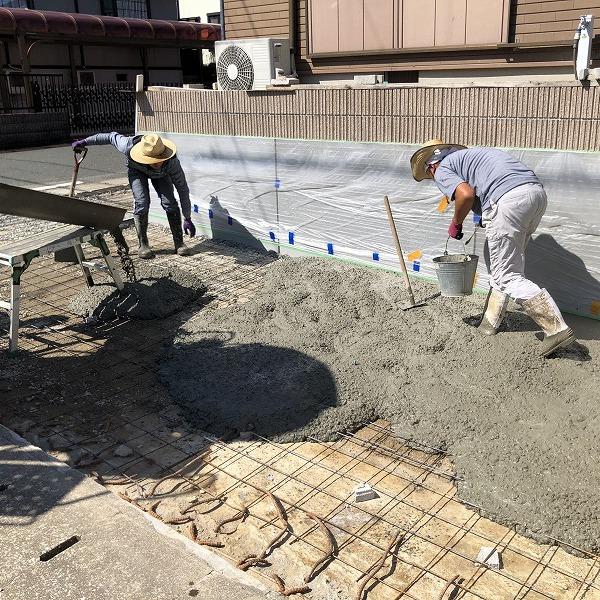 庭を削って駐車場工事。0006275356