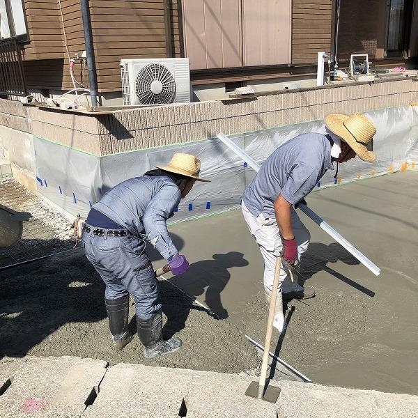 庭を削って駐車場工事。0006275357