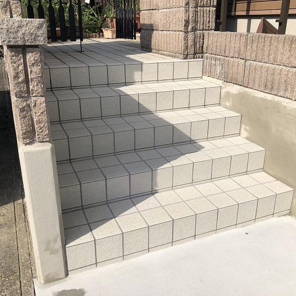 庭を削って駐車場工事。0006275360