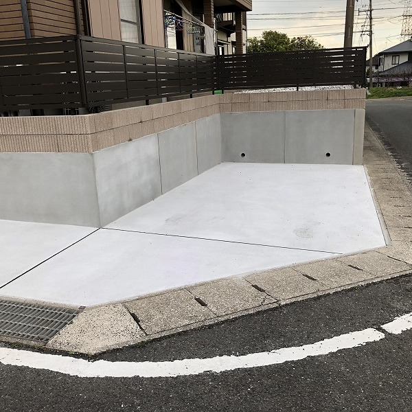 庭を削って駐車場工事。0006275369