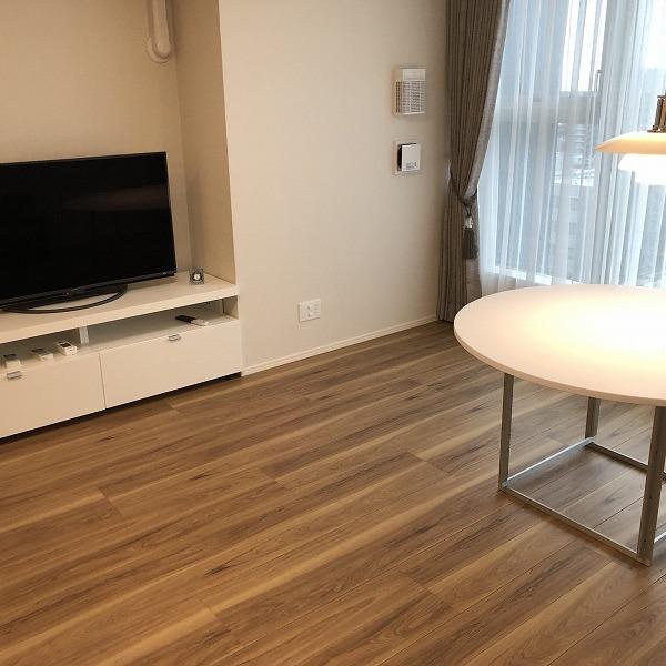 家具と照明器具。0006305426