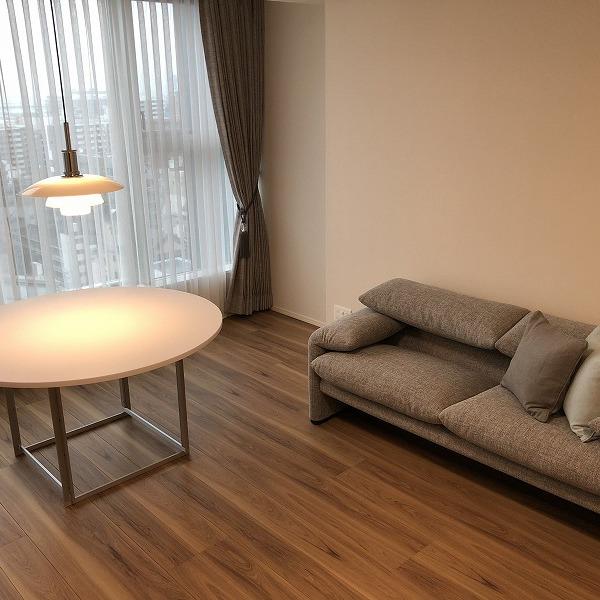 家具と照明器具。0006305423
