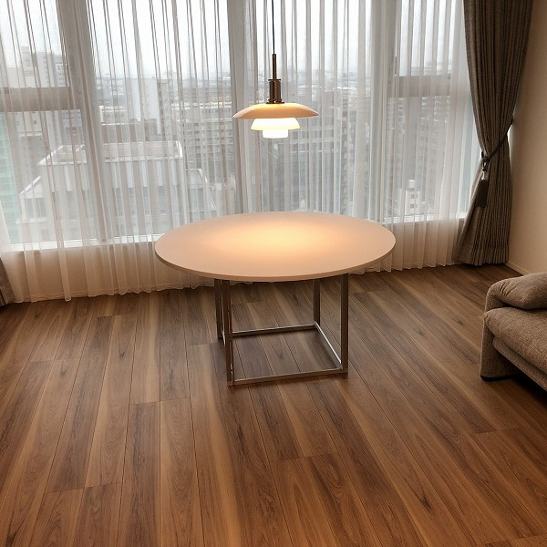 家具と照明器具。0006305424