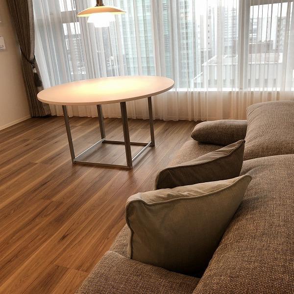 家具と照明器具。0006305425