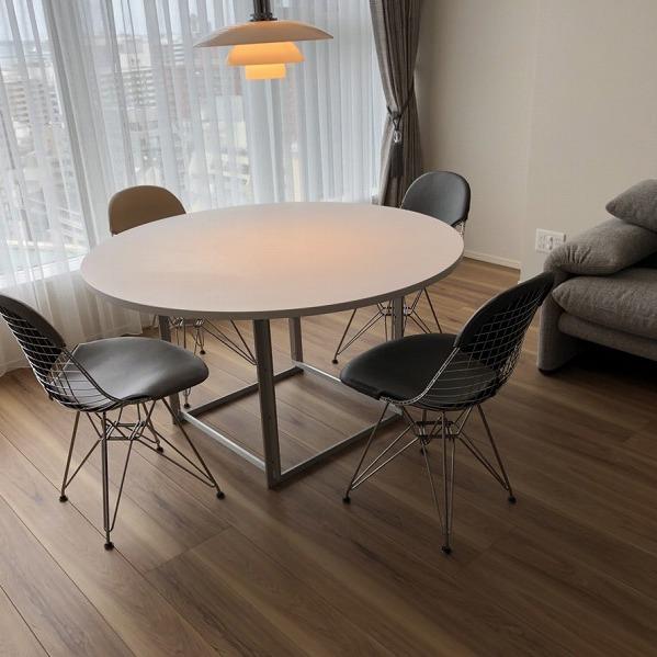 家具と照明器具。0006305427