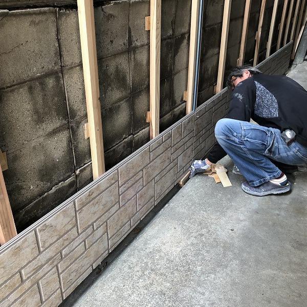 ブロック塀にサイディング。0006315436